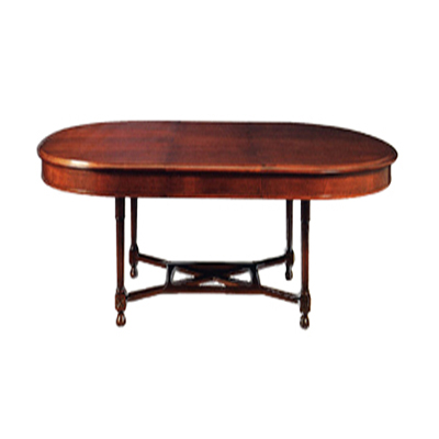classic-style-dining-table