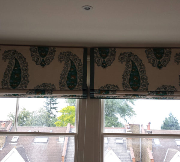 Roman Blind with Borders